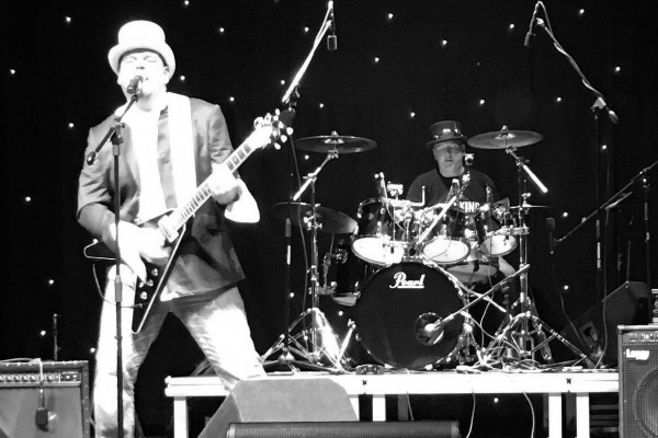Bassist needed for gigging rock/blues band